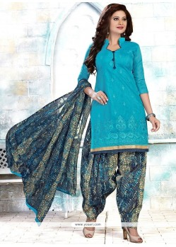 Titillating Cotton Embroidered Work Punjabi Suit
