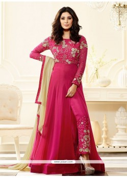 Fetching Faux Georgette Designer Suit