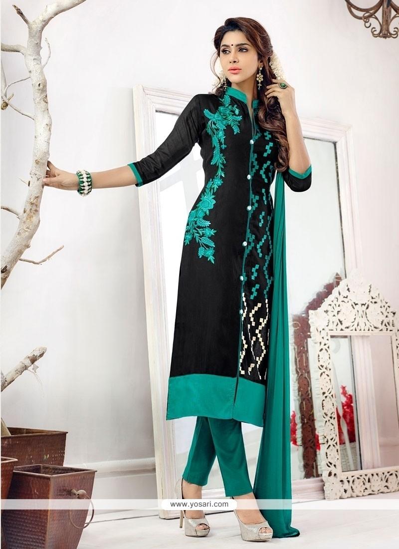 Awesome Black Churidar Salwar Kameez