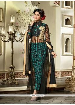 Imposing Zari Work Designer Salwar Suit