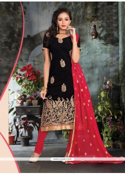 Hypnotizing Viscose Black Churidar Salwar Kameez