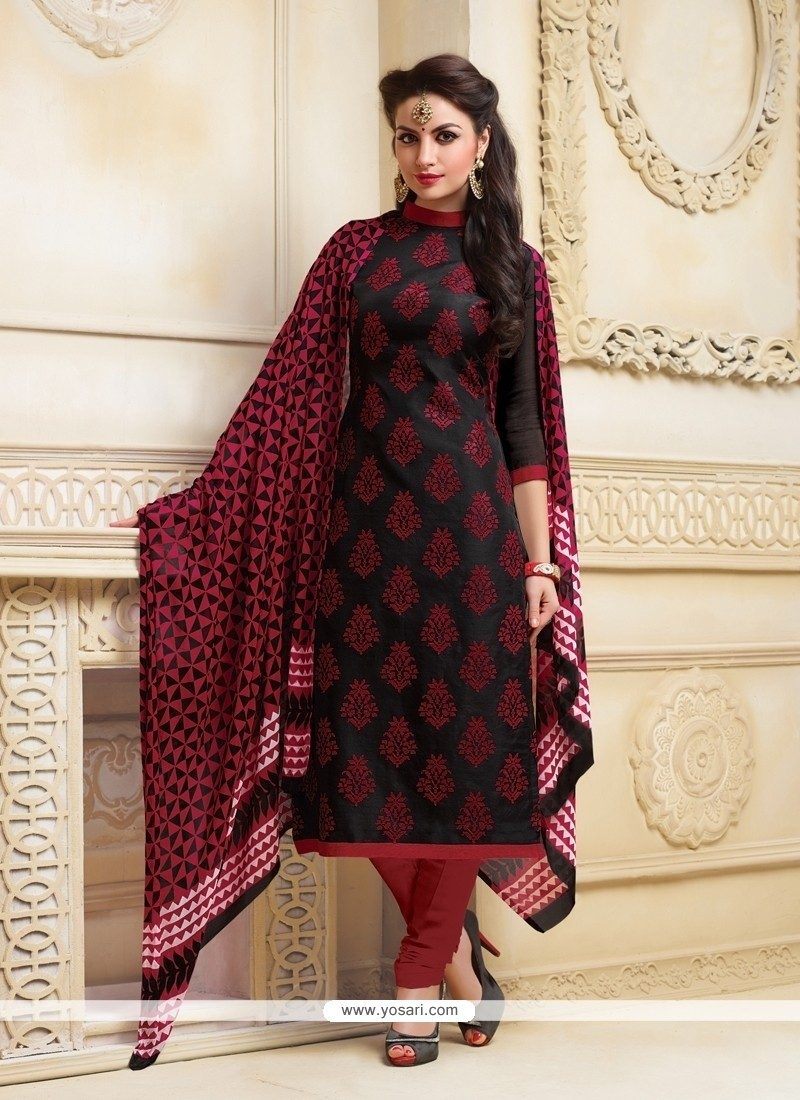 Exciting Lace Work Churidar Salwar Suit