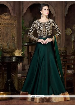 Suave Embroidered Work Designer Gown