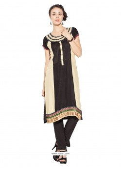 Engrossing Cotton Party Wear Kurti