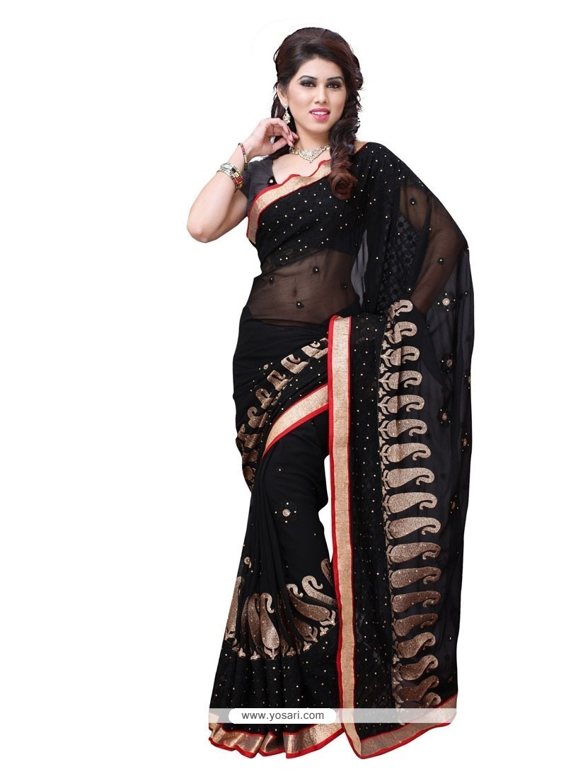 Fashionable Designer Saree For Party