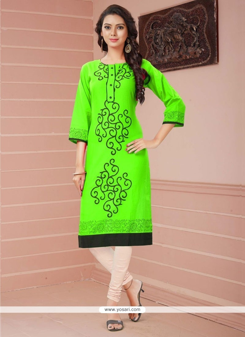 Hypnotic Rayon Print Work Casual Kurti