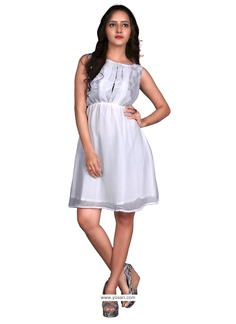 Spellbinding Plain Work Georgette Casual Kurti