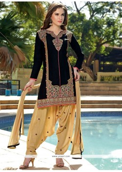 Sensible Cotton Embroidered Work Designer Patiala Salwar Kameez