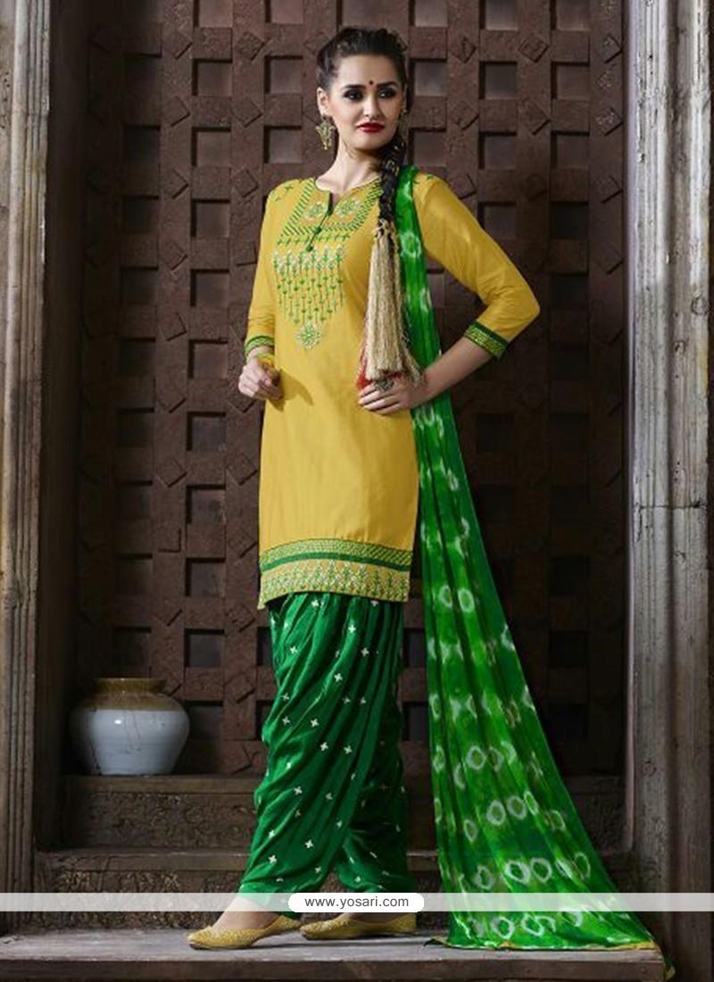 Affectionate Yellow Punjabi Suit