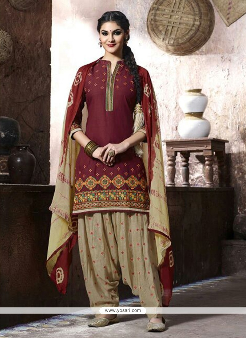 Exciting Embroidered Work Punjabi Suit