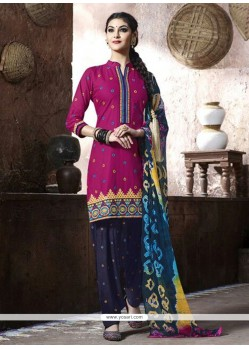 Enticing Magenta Punjabi Suit