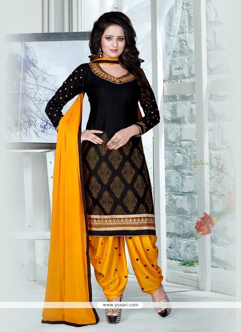 Topnotch Black Resham Work Punjabi Suit