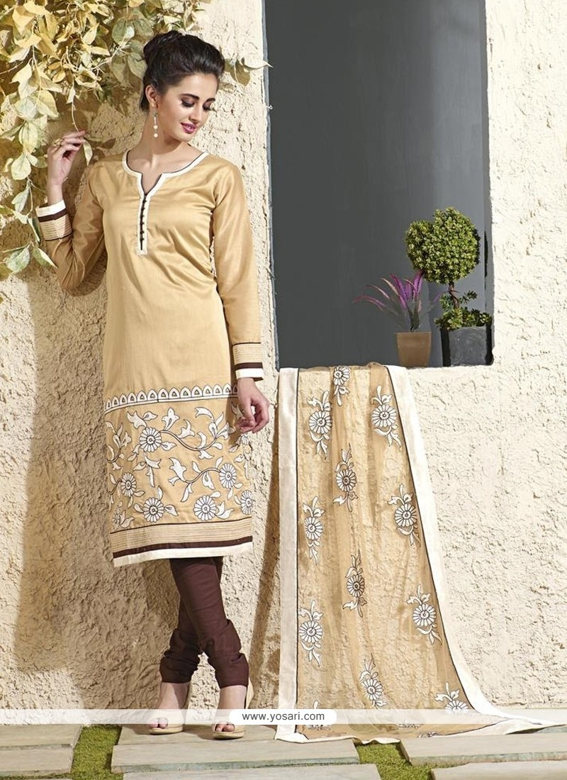 Hypnotizing Lace Work Readymade Suit