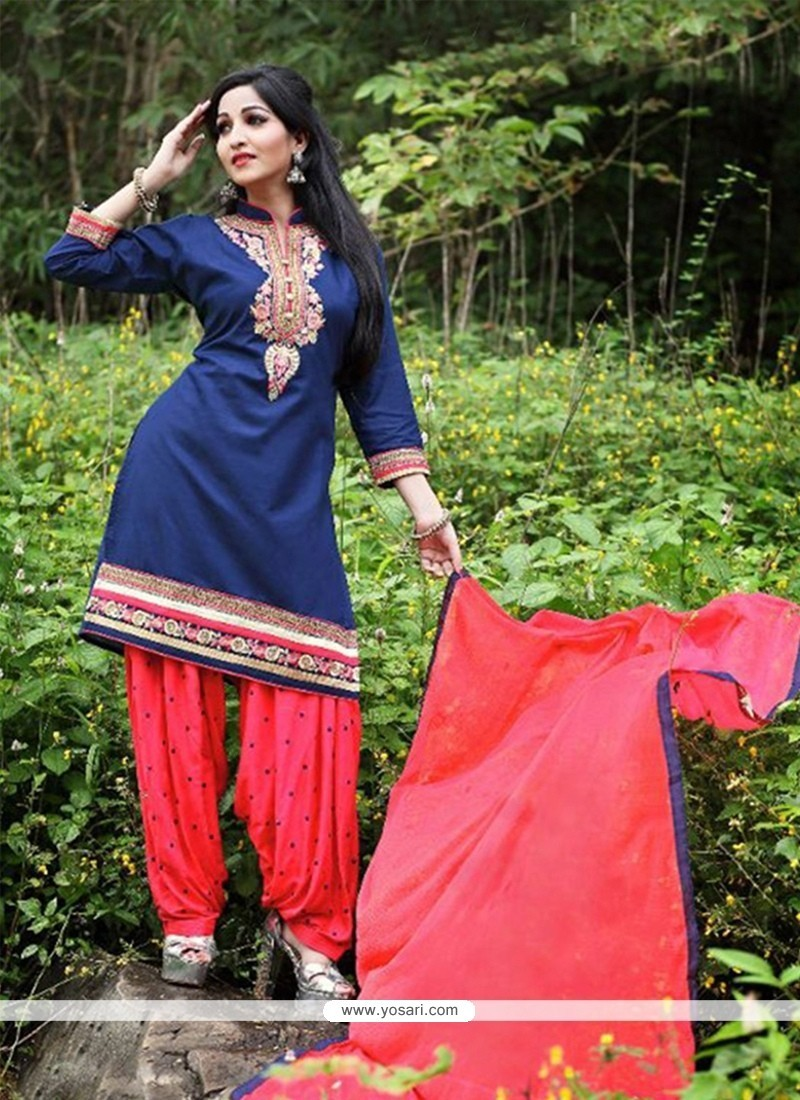 Excellent Embroidered Work Punjabi Suit