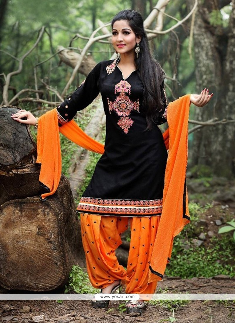 Winsome Embroidered Work Punjabi Suit