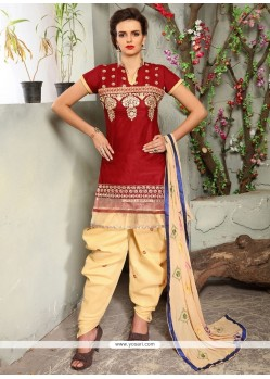 Magnetic Cotton Embroidered Work Punjabi Suit