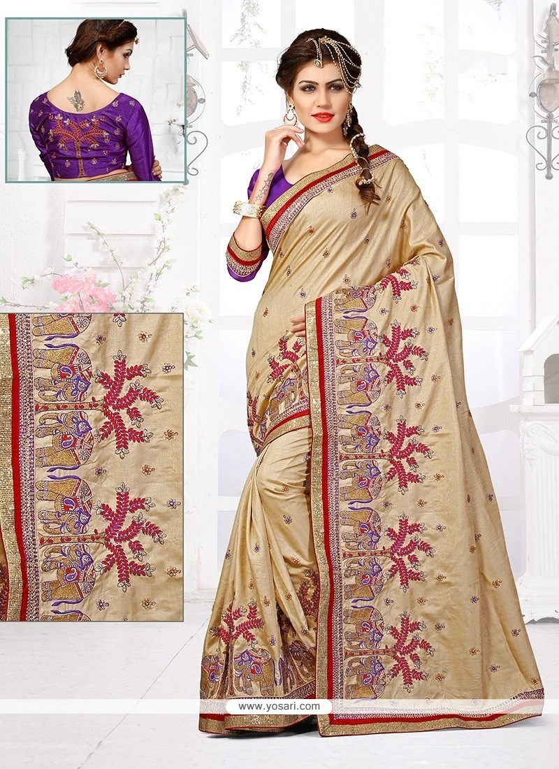 Delectable Designer Traditional Saree For Wedding