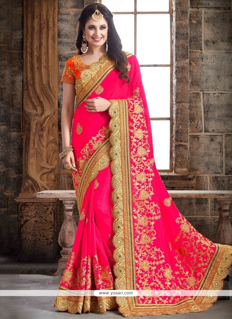 Extraordinary Zari Work Crepe Silk Designer Traditional Saree