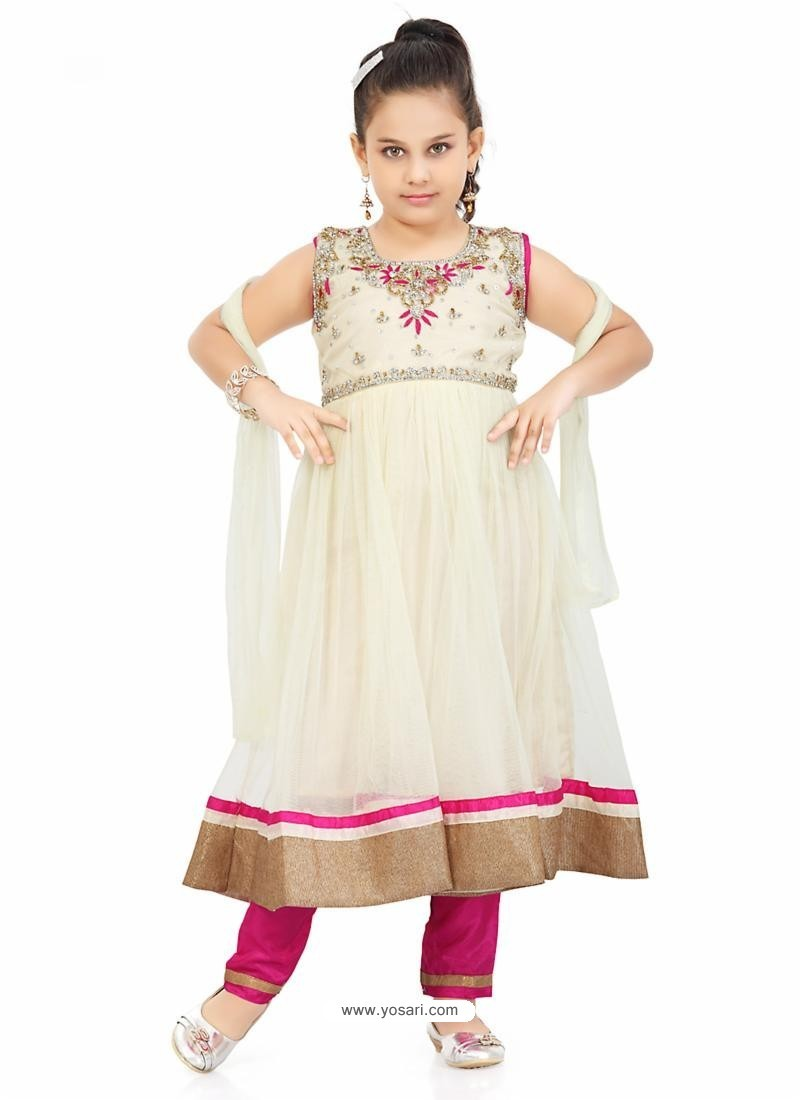 Stately Pink Salwar Kameez