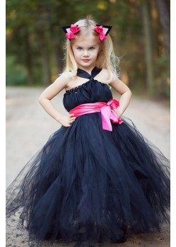 Sizzling Black Evening Gown