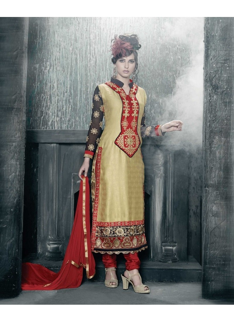 Egyptian ancient inspired fashion photo