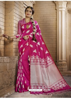Beautiful Rani Silk Saree