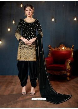 Fabulous Black Embroidered Punjabi Patiala Suits