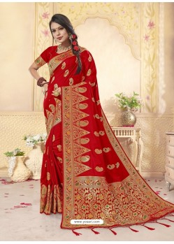 Dashing Red Latest Designer Banarasi Silk Wedding Sari