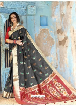 Black Latest Designer Traditional Wear Silk Handloom Sari