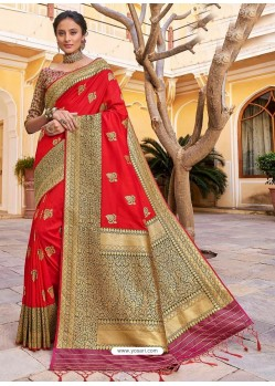 Red Stylish Designer Wedding Wear Silk Sari